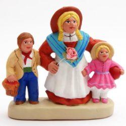 Santon Figure 8/9 cm: Woman with 2 Children (femme au deux enfants)