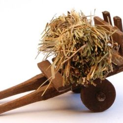 Santon Accessories: Cart with straw (charrette paille)
