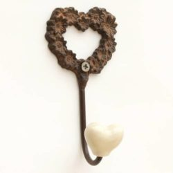 Wall hook: Heart (Crochet Coeur)