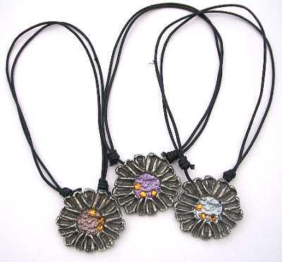 Necklace marguerite